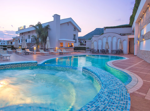 Virgilio Grand Hotel swimming pool