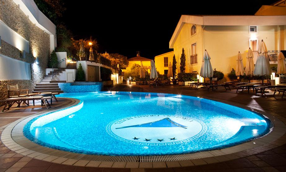 Hotel 4 stelle a sperlonga grand hotel virgilio - Hotel a pejo con piscina ...